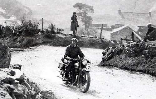 George Brough takes his SS100 to the top of Stonedale 1925